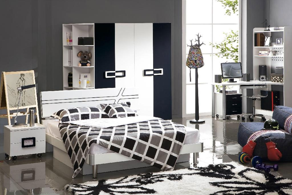 Poshtots Michael Bedroom set